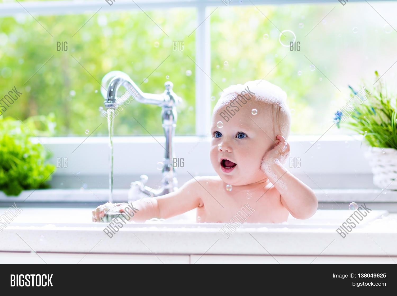 Fine Paint For Bathtub Small Paint A Bathtub Square Bathtub Refinishing Companies Painting Bathtubs Young Paint For A Bathtub Orange Bathtub Painters