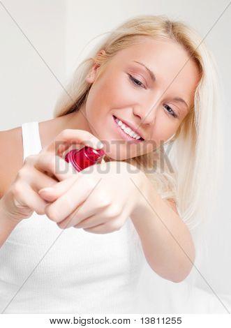 Frau Anwendung Creme