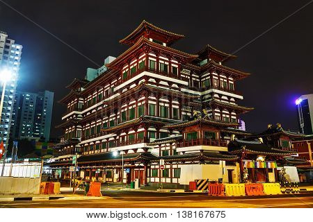 Buddha Tooth Relic temple in Singapore at night