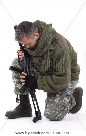 Paramilitärischer Soldat