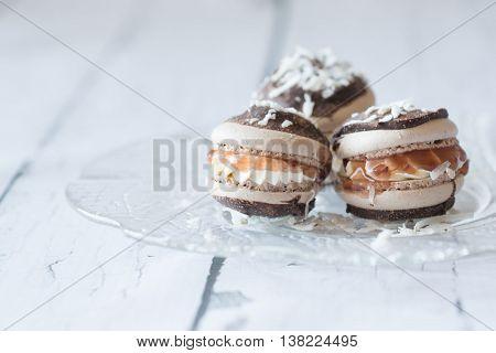 Lamington Macaron