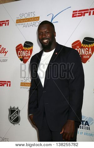 LOS ANGELES - JUL 12:  Quinton Dial at the 2nd Annual Sports Humanitarian Of The Year Awards at the Congo Room on July 12, 2016 in Los Angeles, CA
