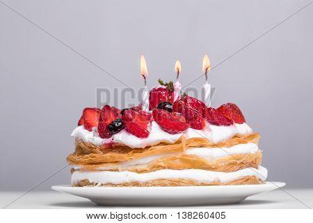 Cake With Fresh Strawberries