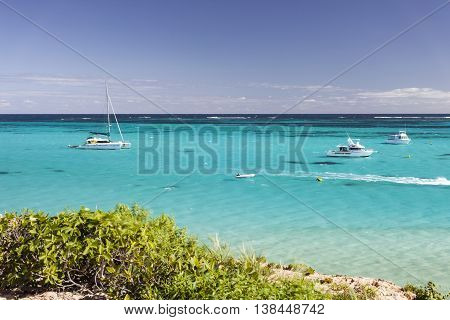 Coral Bay, Western Australia - Crystal Clear Blue Water