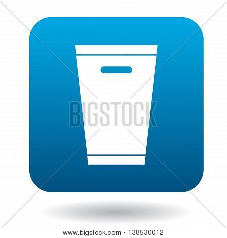 Trash can icon in simple style on a white background