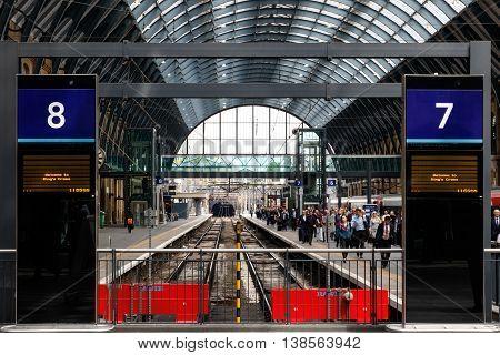 Kings Cross Station Traveller Arrival