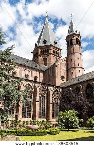 Mainzer Dom Cathedral In Mainz