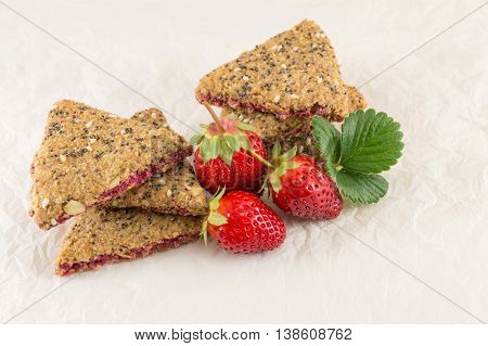Integral Cookies With Strawberry And Seeds