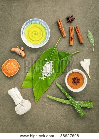 Avocados  Leaves With Nature Spa Ingredients Turmeric,herbal Compress Ball,dried Indian Bael ,cinnam