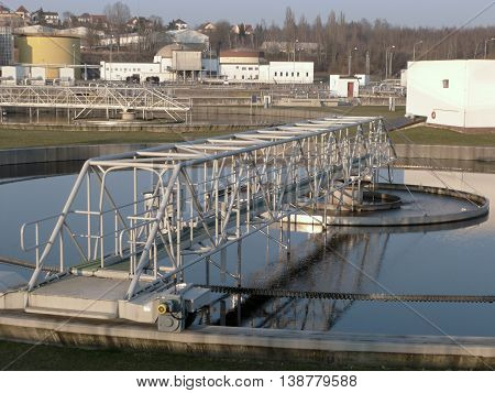 Municipal sewage treatment plants, waste water filtration