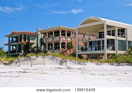 Luxurious Beach Front Homes on the Gulf of Mexico