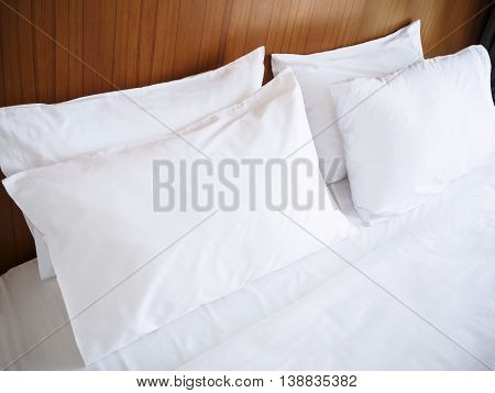 White pillows Duvet Clean Linen bed sheet