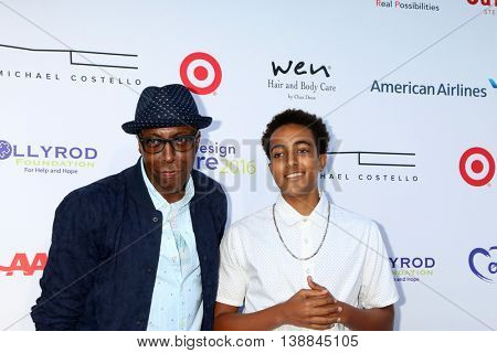 LOS ANGELES - JUL 16:  Arsenio Hall, Arsenio Hall Jr at the HollyRod Presents 18th Annual DesignCare at the Sugar Ray Leonard's Estate on July 16, 2016 in Pacific Palisades, CA