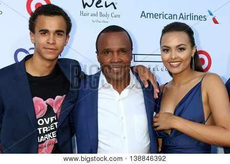 LOS ANGELES - JUL 16:  Daniel Leonard, Sugar Ray Leonard, Camille Leonard at the HollyRod Presents 18th Annual DesignCare at the Sugar Ray Leonard's Estate on July 16, 2016 in Pacific Palisades, CA