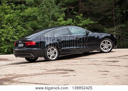 Black Facelift Audi A5 2.0 Tdi 2012 Model Year