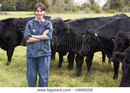 Retrato de la EFP en campo con ganado