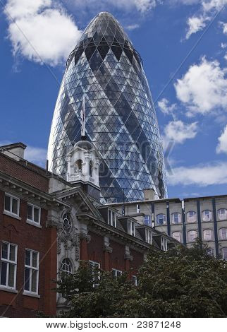 Swiss Re Building the Gherkin in London