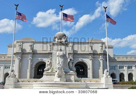 Washington DC - Union Station with Columbus statue foreground