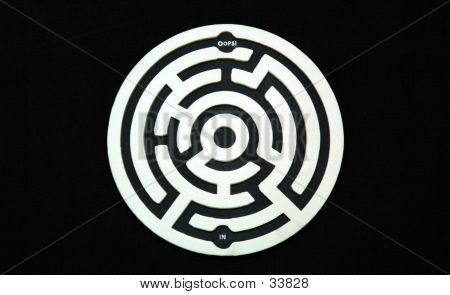 Black And White Maze Coaster