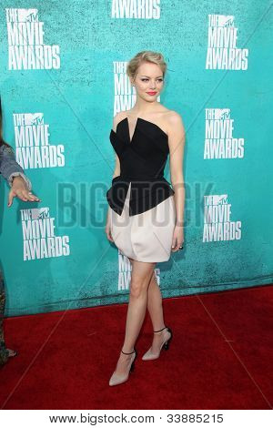 LOS ANGELES - JUN 3:  Emma Stone arriving at the 2012 MTV Movie Awards at Gibson Ampitheater on June 3, 2012 in Los Angeles, CA