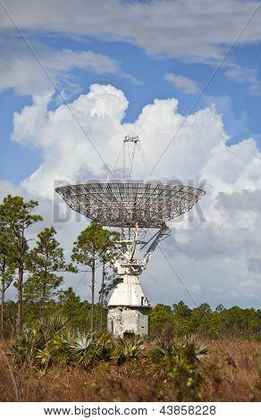 large radar dish for tracking spacecraft on grand bahama island