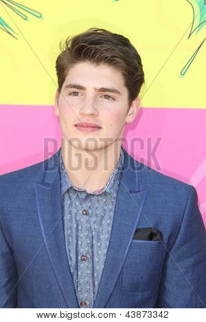 LOS ANGELES - MAR 23:  Gregg Sulkin arrives at Nickelodeon's 26th Annual Kids' Choice Awards at the USC Galen Center on March 23, 2013 in Los Angeles, CA