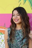LOS ANGELES - MAR 23:  Miranda Cosgrove arrives at Nickelodeon's 26th Annual Kids' Choice Awards at