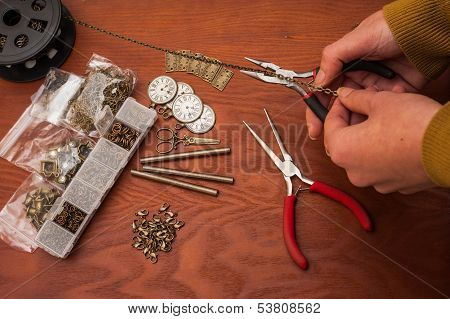 Cutting chain for jewellery making