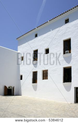 Ibiza Baleares Mediterráneo blanco en España