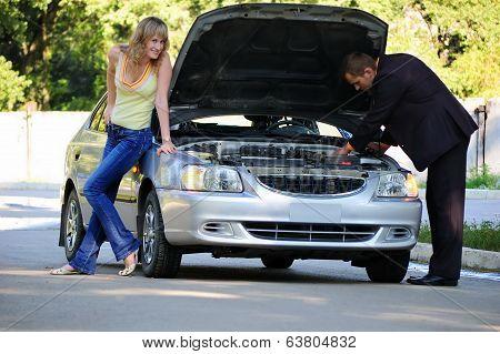 Fun repair of the broken car