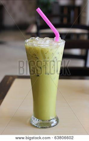 Ice Green tea on table