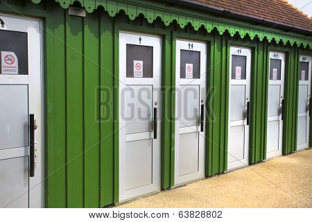 series of loos or toilets or public bathrooms