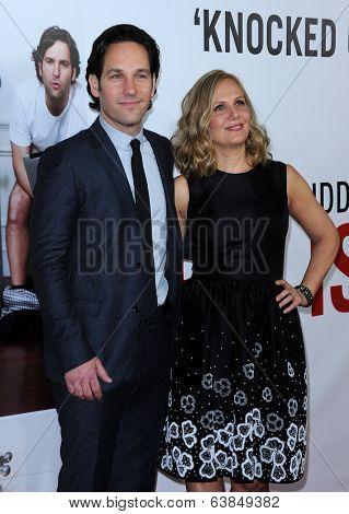 LOS ANGELES - DEC 12:  Paul Rudd & Julie Yaeger arrives to the