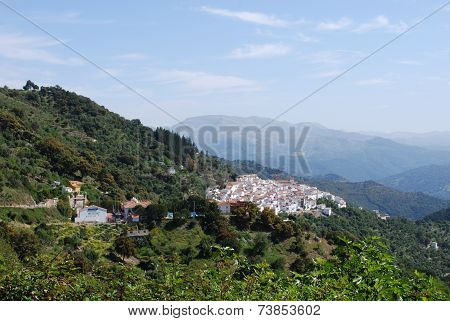 White town in mountains, Algatocin.