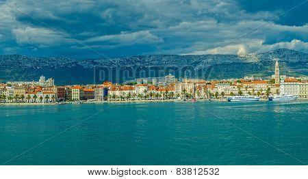 Split sea side