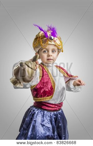 Sultan Child With Lamp.