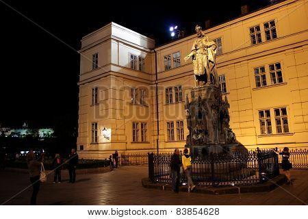 Prague Charles Monument 01