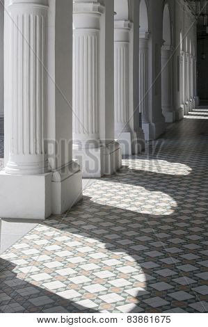 Lights and shades on Corridor Ground