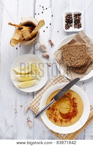 Hummus, Rye Bread And Turkish Crisps