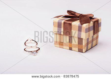 Engagement ring. Offer her engagement to girlfriend. 8 march