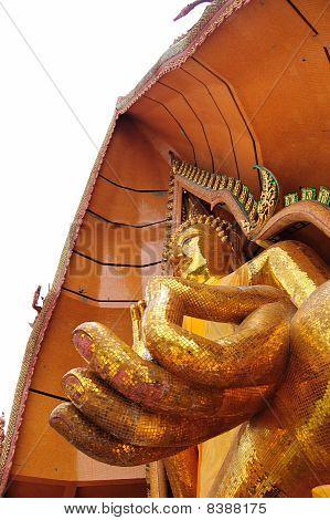 Thum Sua Temple