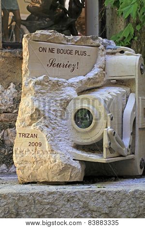 Art Monument Of The Vintage Camera