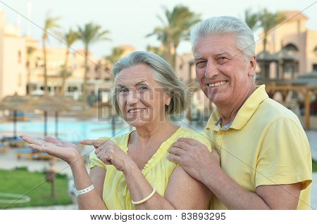 couple enjoy fresh