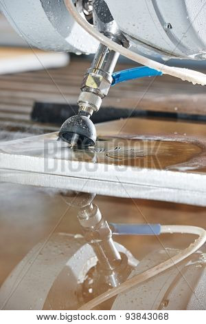 metalworking industry. metal cutting with high pressure water jet