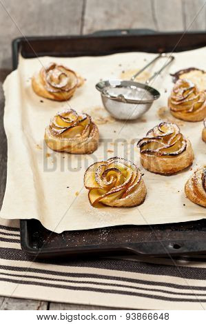 Pastry with apple shaped roses