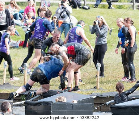 Tough Mudder 2015: Helping Hand