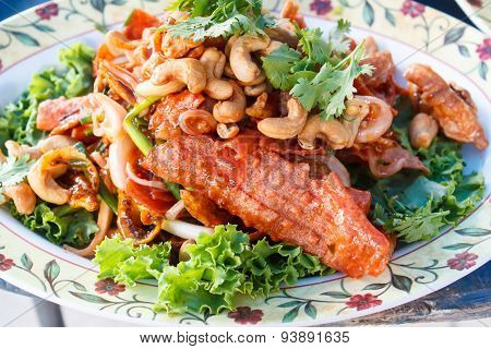 Crispy Pork Mixed With Spicy Salad (yam Sam Krob).