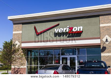Ft. Wayne - Circa September 2016: Verizon Wireless Retail Location. Verizon is One of the Largest Technology Companies XI