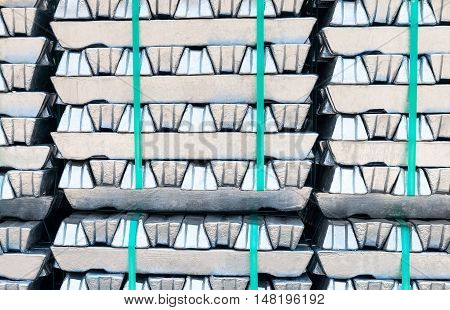 Raw aluminium Ingots. Raw material for melting.