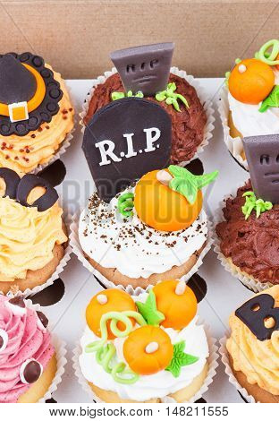 Halloween Cupcakes In The Paper Box